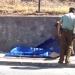 Mujer de 70 años murió aprisionada contra un muro por vehículo que retrocedía a alta velocidad